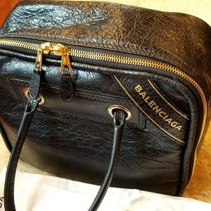Balenciaga cross bodyg bag $2200